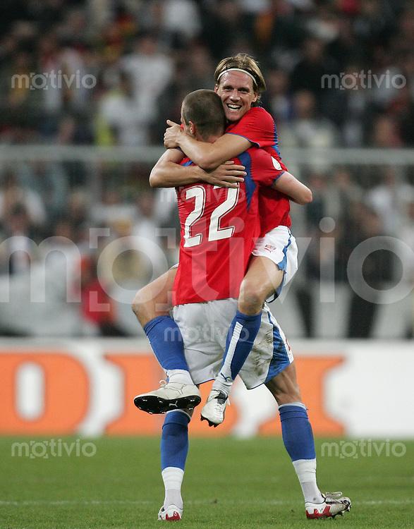 Euro 2008 Qualifikation Deutschland - Tschechische Republik Schlussjubel (CZE): v.l.: David ROZEHNAL mit Radoslav KOVAC.