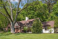 215 Manor Way, Dewitt, NY - Ellen O'Connor
