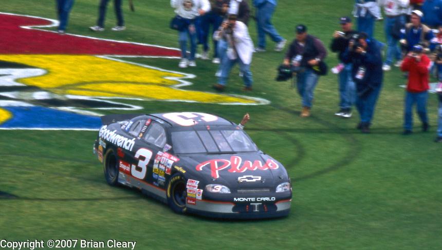 Daytona 500 at Daytona InternationalSpeedway in Daytona Beach, FL on February 15, 1998.  (Photo by Brian Cleary/www.bcpix.com)