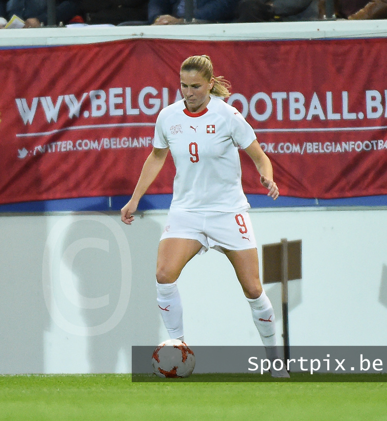 20181005 - LEUVEN , BELGIUM : Switzerland's Ana Maria Crnogorcevic  pictured during the female soccer game between the Belgian Red Flames and Switzerland , the first leg in the semi finals play offs for qualification for the World Championship in France 2019, Friday 5 th october 2018 at OHL Stadion Den Dreef in Leuven , Belgium. PHOTO SPORTPIX.BE | DIRK VUYLSTEKE