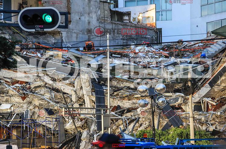 Edificio de la colonia &Aacute;lvaro Obreg&oacute;n #286, donde se encuentran 46 personas en el interior y amenos 5 de ellas se encuentran con vida, <br />  Ciudad De Mexico a 2 septiembre 2017<br /> <br /> (Foto: Luis Gutierrez/nNrtePhoto.com)