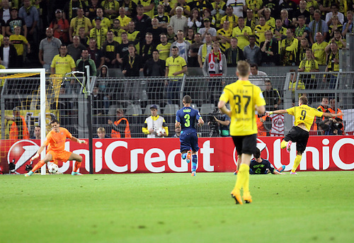 6.09.2014. Dortmund, Germany. Champions League group stages; Borussia Dortmund, versus Arsenal. Signal-Iduna-Park-Stadion Ciro Immobile (Dortmund) zum scores the Goal for 1:0<br />