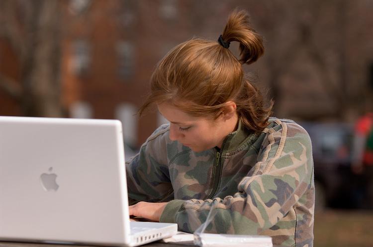17272Campus Shots Winter Students Diversity....Lauren Hiveley