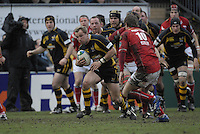 Wycombe, GREAT BRITAIN, Mark MCMILLAN, looking to pass the ball, during the Heineken Cup game Wasps vs Llanelli Scarlets, at Adams Park Stadium, Bucks, 13.01.2008 [Photo, Peter Spurrier/Intersport-images]