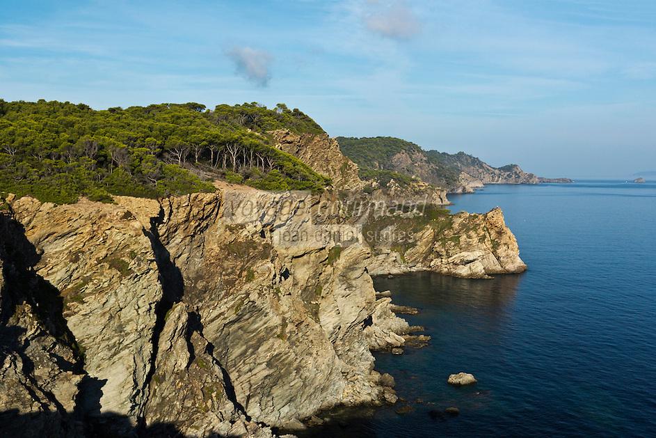 Europe/Provence-Alpes-Côte d'Azur/83/Var/Iles d'Hyères/Ile de Porquerolles: Calanque de l'Indienne et côte rocheuse