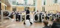 Berlin, Der Schriftzug Bundesrat am Freitag (03.05.13) bei der 909. Sitzung des Bundesrats in Berlin.