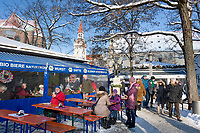 Deutschland, Bayern, Oberbayern, Muenchen: Viktualienmarkt, im Hintergrund das Alte Rathaus | Germany, Upper Bavaria, Munich: Viktualien Market, at background tower of the old cityhall