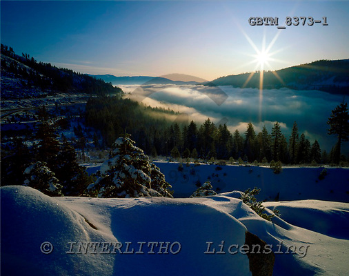 Tom Mackie, CHRISTMAS LANDSCAPE, photos, Fog over Donner Lake, Donner Pass, California, USA, GBTM8373-1,#XL# Landschaften, Weihnachten, paisajes, Navidad