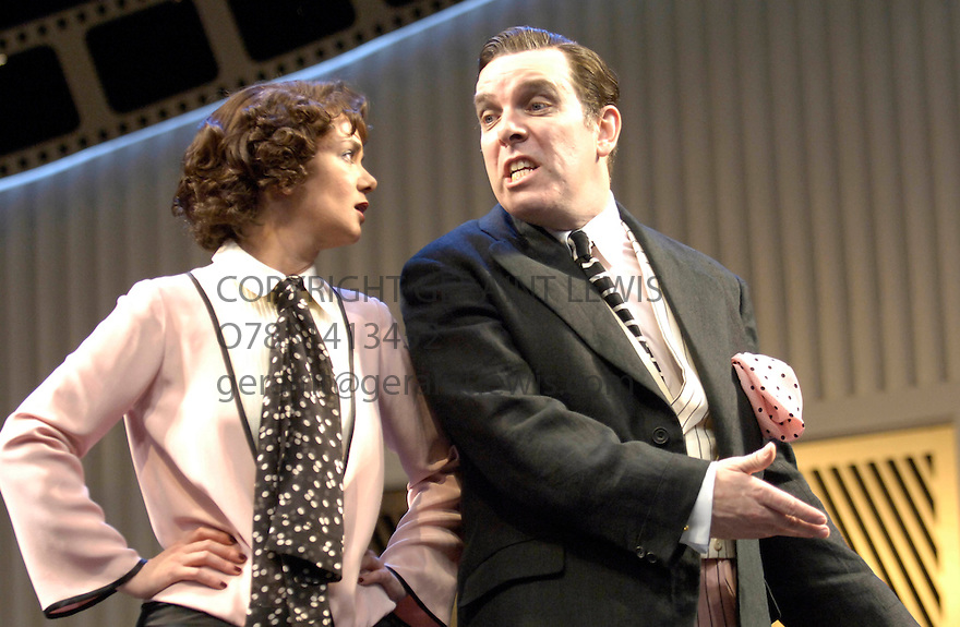Once In A Lifetime with Victoria Hamilton,Lloyd Hutchinson. Opens at the Olivier Theatre at the National Theatre on 15/12/05. CREDIT Geraint Lewis