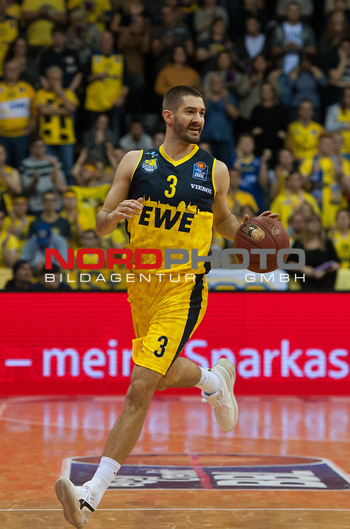 01.12.2019, EWE Arena, Oldenburg, GER, easy Credit-BBL, EWE Baskets Oldenburg vs Brose Bamberg, im Bild<br /> Braydon HOBBS (EWE Baskets Oldenburg #3 ) Einzel<br /> Foto © nordphoto / Rojahn