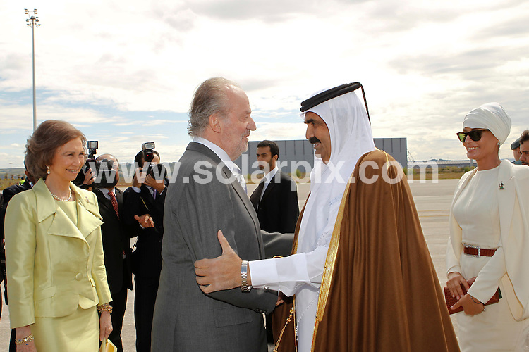 **ALL ROUND PICTURES FROM SOLARPIX.COM**                                             **WORLDWIDE SYNDICATION RIGHTS EXCEPT SPAIN - NO SYNDICATION IN SPAIN**                                                                                  Caption: Caption: The Spanish King Juan Carlos, and Queen Sofia, meet the Emir of Qatar Sheikh Hamad bin Khalifa Al Thani, and one of his 4 wives - Jaquesa Mozah Bint Nassar. Barajas Airport, Madrid, Spain. 25 April 2011                                                                              This pic: King Juan Carlos, and Queen Sofia, Sheikh Hamad bin Khalifa Al Thani, Jaquesa Mozah Bint Nassar                                                                                             JOB REF: 13194 DMS Dolores       DATE: 25_04_2011                                                            **MUST CREDIT SOLARPIX.COM OR DOUBLE FEE WILL BE CHARGED**                                                                      **MUST AGREE FEE BEFORE ONLINE USAGE**                               **CALL US ON: +34 952 811 768 or LOW RATE FROM UK 0844 617 7637**