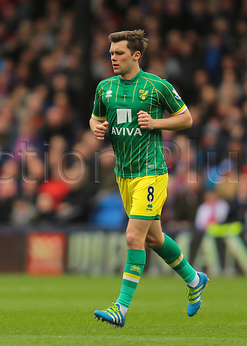 09.04.2016. Selhurst Park, London, England. Barclays Premier League. Crystal Palace versus Norwich. Norwich City Midfielder Jonathan Howson jogs back to position