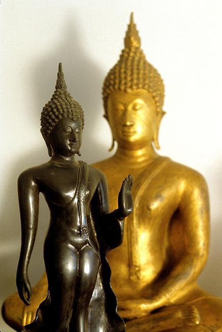 Buddha statue Sukhothai style
