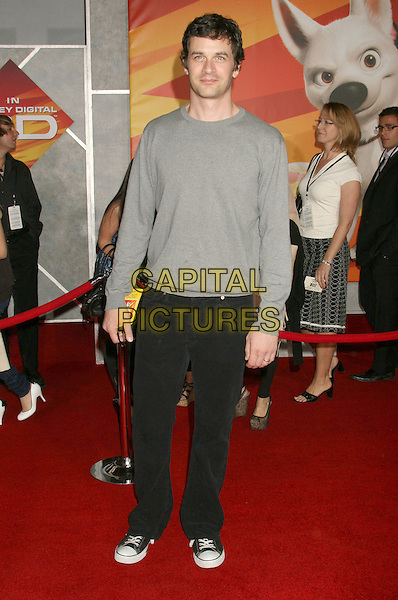 "TOM EVERETT SCOTT.""Bolt"" Disney World Premiere held at the El Capitan Theatre, Hollywood, California, USA..November 17th, 2008.full length top black jeans denim grey gray .CAP/ADM/MJ.©Michael Jade/AdMedia/Capital Pictures."