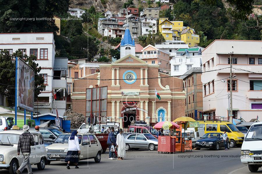 MADAGASCAR Antananarivo, catholic church / MADAGASKAR Antananarivo, katholische Kirche und CENTER FIHAVANANA fuer Strassenkinder geleitet von den SCHWESTERN VOM GUTEN HIRTEN / SOEURS DU BON PASTEUR / GOOD SHEPHERD SISTERS