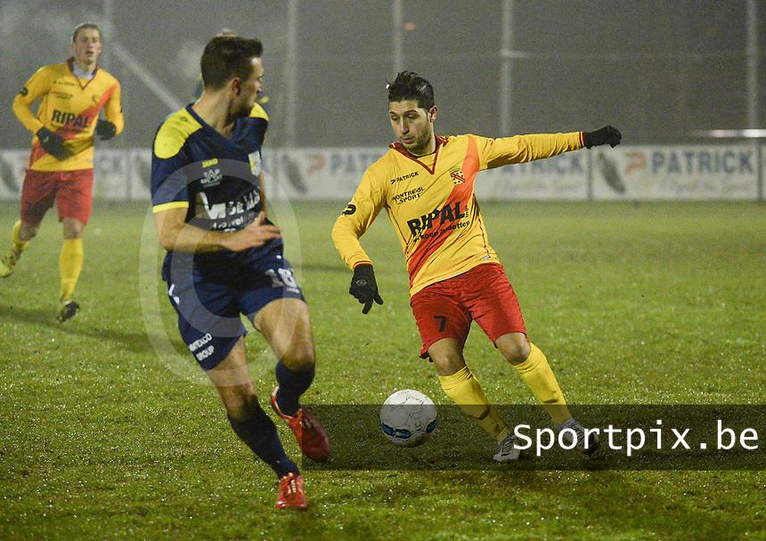 Eendracht Wervik - FC Lebbeke :<br /> Monssef Znagui (R) tracht voorbij Timothy Salvi (L) te geraken<br /> Foto VDB / Bart Vandenbroucke