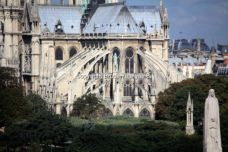 Flying buttresses of east end of Notre Dame cathedral. city of Paris. Paris. France