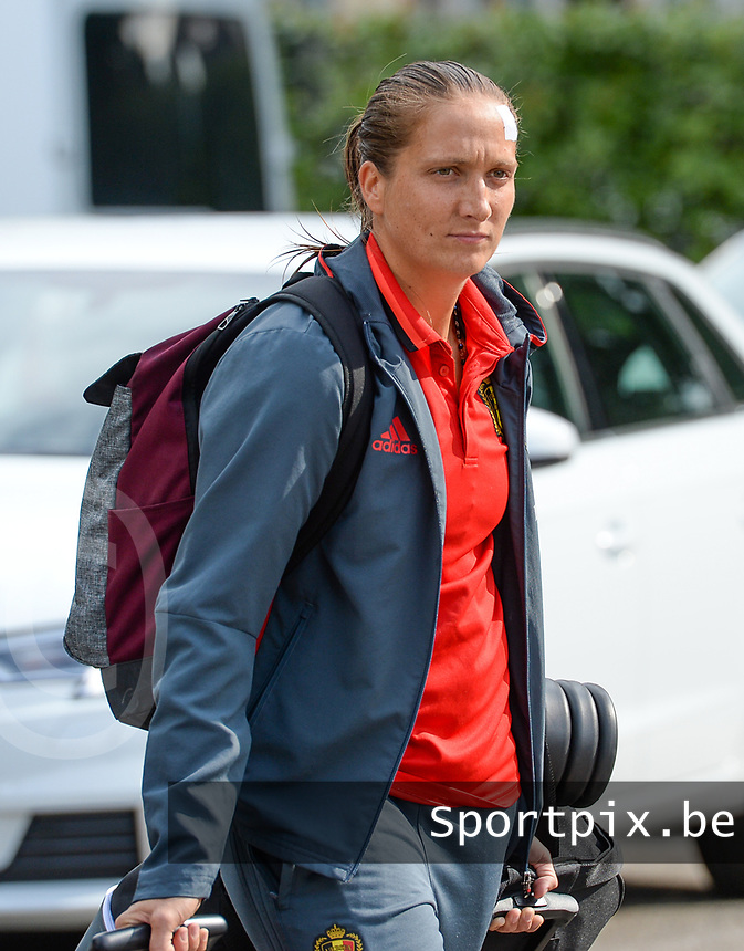 20170725 - TILBURG , NETHERLANDS :  Belgian Maud Coutereels pictured going back to Belgium as the Belgian national women's soccer team Red Flames was not able to qualify for the quarter finals after a loss against The Netherlands , on Tuesday 25 July 2017 in Tilburg . The Red Flames finished on 3 th place in Group A at the Women's European Championship 2017 in the Netherlands. PHOTO SPORTPIX.BE | DAVID CATRY
