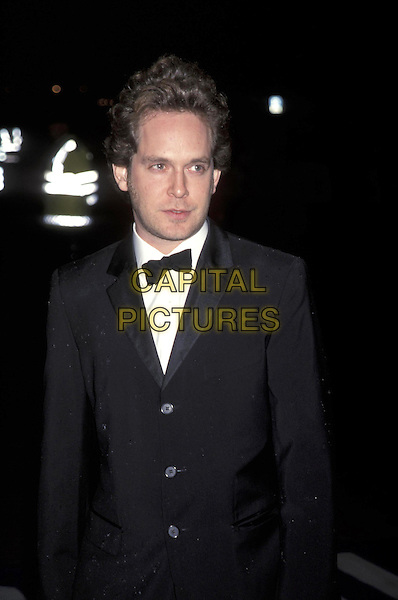 TOM HOLLANDER.07 November 2001.half length half-length.ref:11215.www.capitalpictures.com.sales@capitalpictures.com.©Capital Pictures