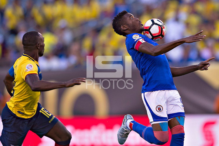 Action photo during the match Ecuador vs Haiti at MetLife Stadium Copa America Centenario 2016. ---Foto  de accion durante el partido Ecuador vs Haiti, En el Estadio MetLife Partido Correspondiante al Grupo - B -  de la Copa America Centenario USA 2016, en la foto: Kervens belfort<br /> <br /> -- 12/06/2016/MEXSPORT/Javier Ramirez.
