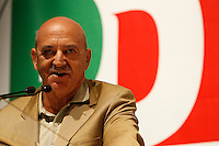 NAPOLI 15/06/2012 CONFERENZA NAZIONALE PER IL LAVORO DEL PARTITO DEMOCRATICO.NELLA FOTO LUIGI ANGELETTI.FOTO CIRO DE LUCA.