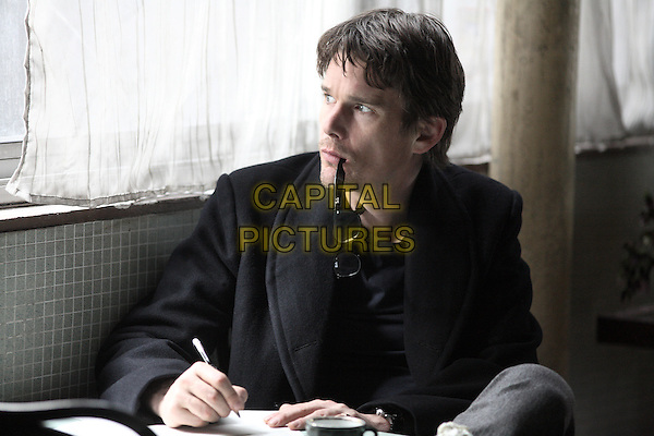 Ethan Hawke.in The Woman in the Fifth.*Filmstill - Editorial Use Only*.CAP/PLF.Supplied by Capital Pictures.