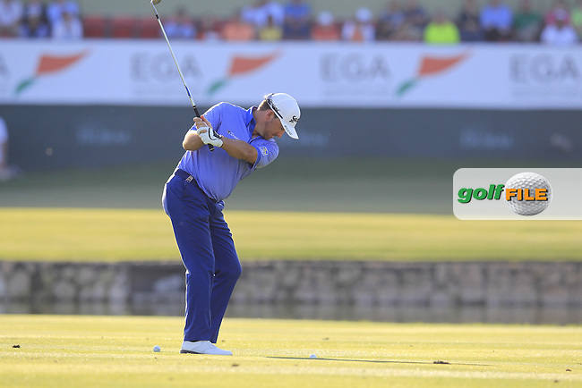 Graeme McDOWELL (NIR) plays into the 18th green during Saturday's Round 3 of the 2015 Omega Dubai Desert Classic held at the Emirates Golf Club, Dubai, UAE.: Picture Eoin Clarke, www.golffile.ie: 1/31/2015