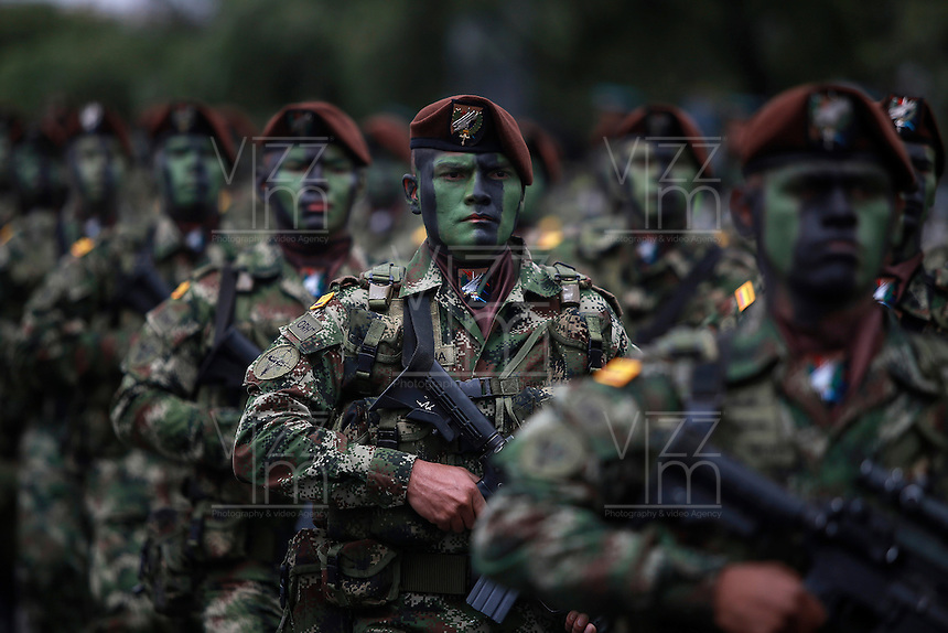 BOGOTA - COLOMBIA - 20 -07 - 2016: Miembros de la Fuerzas Militares de Colombia, desfilan durante la ceremonia con motivo del 206 aniversario del Dia de la Independencia Nacional. / Members of the Military Forces of Colombia, parading during the ceremony to mark the 206 anniversary of the National Independence Day. Photo: VizzorImage / Ivan Valencia / Cont