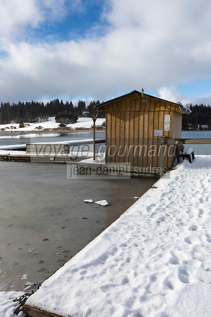 Europe/France/Franche-Comté/25/Doubs/Malbuisson: Cabane sur le Lac de Saint-Point, //France, Doubs, Malbuisson,  Cabin on Lake Saint-Point,