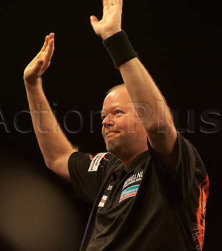 07.04.2016. The Sheffield Arena, Sheffield, England. Betway PDC Premier League Darts. Night 10.  Raymond van Barneveld [NED] acknowledges the crowd before his match with James Wade [ENG]