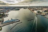 017 190110 Dronebilleder af Den lille  Havfrue, Kastellet, Amager Bakke, Papir&oslash;en, Skuespilhuset, Amalienborg og Inderhavnsbroen.<br /> Foto: Jens Panduro