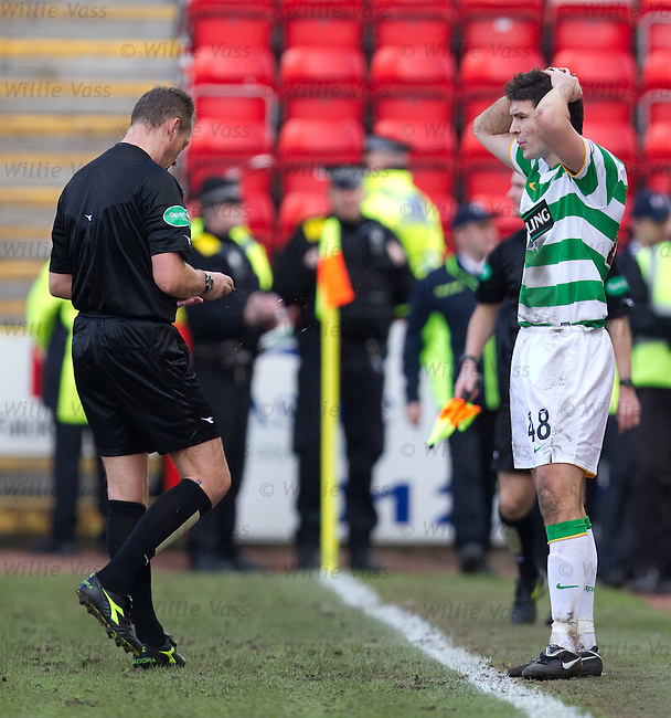 Darren O'Dea sent off by referee Iain Brines
