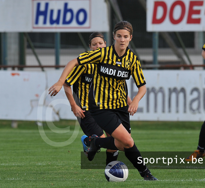 Club Brugge Dames - WD Lierse SK : Evelien Stoffels.foto DAVID CATRY / Vrouwenteam.be