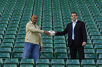 Jonno [Johnson] and Jonah [Lomu] Press Conference, 'Spirit of Rugby Suite' RFU Stadium, Twickenham, LONDON. 23.01.2005  To announce the 'Head to head' gameto by played a Twickenham on the 4th June 2005. ..Photo  Peter Spurrier. .email images@intersport-images...