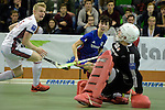 GER - Muelheim an der Ruhr, Germany, February 05: During the FinalFour final men hockey match between Rot-Weiss Koeln (whize) and Mannheimer HC (blue) on February 5, 2017 at innogy Sporthalle in Muelheim an der Ruhr, Germany. (Photo by Dirk Markgraf / www.265-images.com) *** Local caption *** Tom Grambusch #15 of Rot-Weiss Koeln, Teo Hinrichs #6 of Mannheimer HC, Victor Aly #30 of Rot-Weiss Koeln