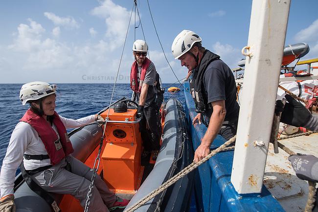 Sea Watch-2.<br /> Vorbereitung der Crew der Sea Watch-2 auf die 13. SAR-Mission vor der libyschen Kueste.<br /> Rechts im Bild: Missionsleiter (Head of Mission) Ingo Werth aus Hamburg bei der Einweisung.<br /> 16.10.2016, Mediterranean Sea<br /> Copyright: Christian-Ditsch.de<br /> [Inhaltsveraendernde Manipulation des Fotos nur nach ausdruecklicher Genehmigung des Fotografen. Vereinbarungen ueber Abtretung von Persoenlichkeitsrechten/Model Release der abgebildeten Person/Personen liegen nicht vor. NO MODEL RELEASE! Nur fuer Redaktionelle Zwecke. Don't publish without copyright Christian-Ditsch.de, Veroeffentlichung nur mit Fotografennennung, sowie gegen Honorar, MwSt. und Beleg. Konto: I N G - D i B a, IBAN DE58500105175400192269, BIC INGDDEFFXXX, Kontakt: post@christian-ditsch.de<br /> Bei der Bearbeitung der Dateiinformationen darf die Urheberkennzeichnung in den EXIF- und  IPTC-Daten nicht entfernt werden, diese sind in digitalen Medien nach &sect;95c UrhG rechtlich geschuetzt. Der Urhebervermerk wird gemaess &sect;13 UrhG verlangt.]