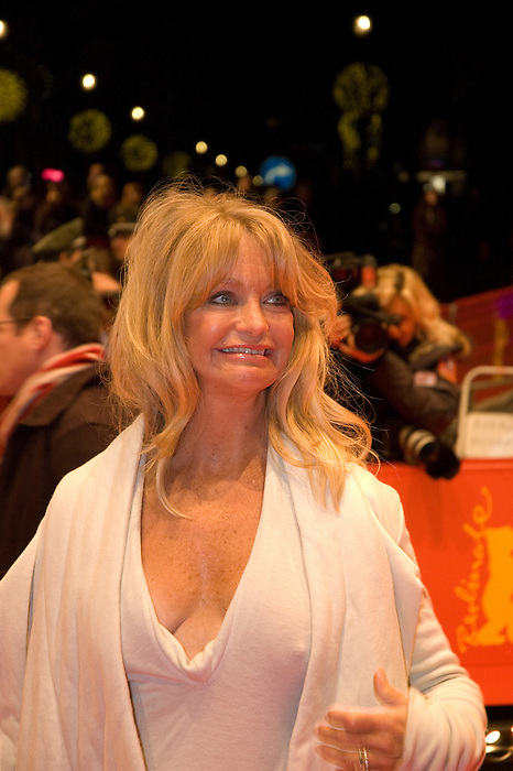 "Goldie Hawn leaves the ""Elegy"" premiere during day four of the 58th Berlinale International Film Festival held at the Berinale Palast on February 10, 2008 in Berlin, Germany  (Philip Schulte/PressPhotoIntl.com)"