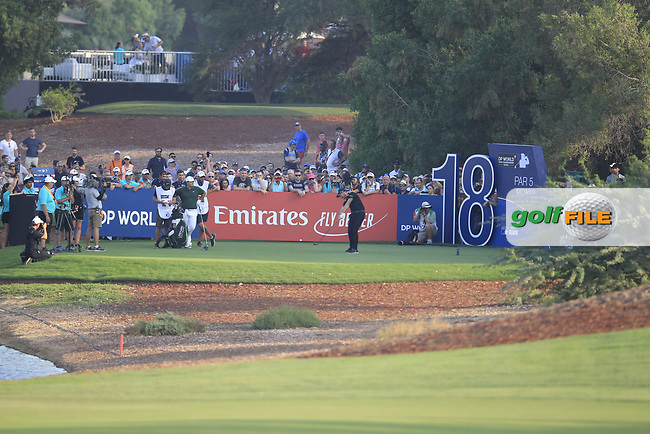Danny Willett (ENG) on the 18th tee during the final round of the DP World Tour Championship, Jumeirah Golf Estates, Dubai, United Arab Emirates. 18/11/2018<br /> Picture: Golffile | Fran Caffrey<br /> <br /> <br /> All photo usage must carry mandatory copyright credit (© Golffile | Fran Caffrey)