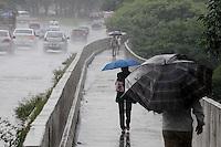 SAO PAULO, SP, 18 Janeiro 2012.Chuva Sao Paulo  (FOTO: ADRIANO LIMA - NEWS FREE)