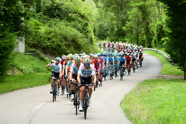The peleton with Luke Rowe (WAL) Team Sky on the front during Stage 2 of the 2018 Criterium du Dauphine 2018 running 181km from Montbrison to Belleville, France. 5th June 2018.<br /> Picture: ASO/Alex Broadway | Cyclefile<br /> <br /> <br /> All photos usage must carry mandatory copyright credit (© Cyclefile | ASO/Alex Broadway)