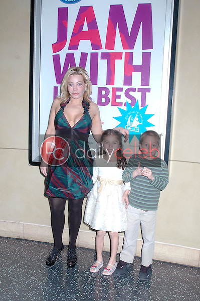 Taylor Dayne and family <br /> at LA's Best Community Jam Against Violence and talent showcase. Kodak Theatre, Hollywood, CA. 12-14-08<br /> Dave Edwards/DailyCeleb.com 818-249-4998