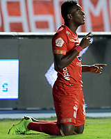 CALI-COLOMBIA , 02-05-2019. Misael Riascos Jugador del América de  Cali celebra después de anotar un gol al  Cúcuta Deportivo durante partido por la fecha 19 de la Liga Águila I 2019 jugado en el estadio Pascual Guerrero de la ciudad de Cali./ Misael Riascos player of America de Cali   celebrates after scoring a goal agaisnt of of Cucuta Deportivo during the match for the date 19 of the Aguila League I 2019 played at Pascual Guerrero stadium in Cali city. Photo: VizzorImage/ Nelson Rios / Contribuidor