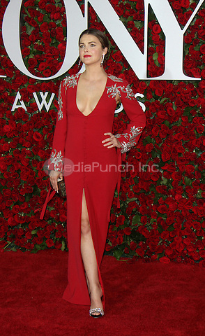 NEW YORK, NY-June 12: Keri Russell at the 70th Annual Tony Awards at the Beacon Theatre in New York. NY June 12, 2016. Credit:RW/MediaPunch