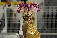 SAO PAULO, SP, 25 DE FEVEREIRO 2012 - DESFILE DAS CAMPEÃS DO CARNAVAL SP - ROSAS DE OURO: Ellen Roche da escola de samba Rosas de Ouro no desfile das Campeãs do Carnaval 2012 de São Paulo, no Sambódromo do Anhembi, na zona norte da cidade, neste sábado.(FOTO: LEVI BIANCO - BRAZIL PHOTO PRESS).