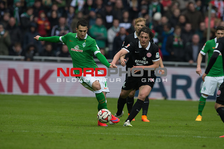 04.04.2015, Weser Stadion, Bremen, GER, 1.FBL. Werder Bremen vs 1. FSV Mainz 05, im Bild<br /> <br /> <br /> <br /> Levin &Ouml;ztunali / Oeztunali (Bremen #11)<br /> <br /> <br /> Foto &copy; nordphoto / Kokenge