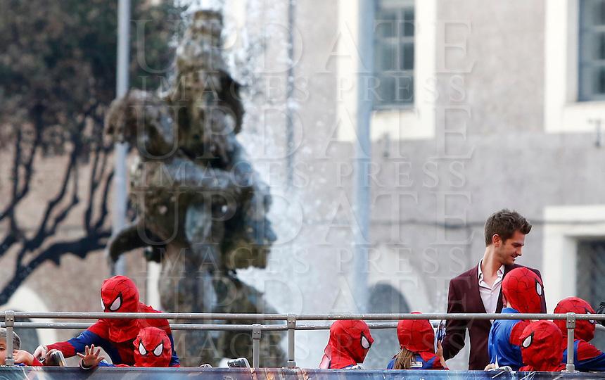 L'attore statunitense Andrew Garfield arriva all'anteprima del film &quot;The Amazing Spider-Man 2 - Il potere di Electro&quot; a Roma, 14 aprile 2014.<br /> U.S. actor Andrew Garfield arrives for the premiere of the movie &quot;The Amazing Spider-Man 2&quot; in Rome, 14 April 2014.<br /> UPDATE IMAGES PRESS/Riccardo De Luca