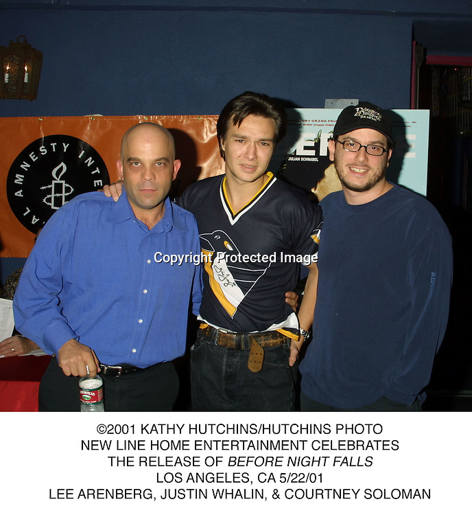 ©2001 KATHY HUTCHINS/HUTCHINS PHOTO.NEW LINE HOME ENTERTAINMENT CELEBRATES.THE RELEASE OF BEFORE NIGHT FALLS.LOS ANGELES, CA 5/22/01.LEE ARENBERG, JUSTIN WHALIN, & COURTNEY SOLOMAN