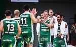 S&ouml;dert&auml;lje 2014-04-22 Basket SM-Semifinal 7 S&ouml;dert&auml;lje Kings - Uppsala Basket :  <br /> S&ouml;dert&auml;lje Kings Tobias Borg och S&ouml;dert&auml;lje Kings John Roberson g&ouml;r high five med lagkamrater i slutet av matchen<br /> (Foto: Kenta J&ouml;nsson) Nyckelord:  S&ouml;dert&auml;lje Kings SBBK Uppsala Basket SM Semifinal Semi T&auml;ljehallen jubel gl&auml;dje lycka glad happy