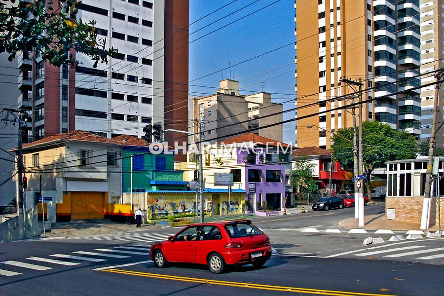 Rua comercial no bairro Perdizes. São Paulo. 2007. Foto de Juca Martins.