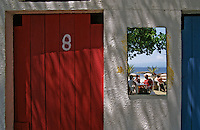 """France/Corse/Corse-du-Sud/2A/Ajaccio: Les cabines de plage de """"l'Ariane-Plage"""""""